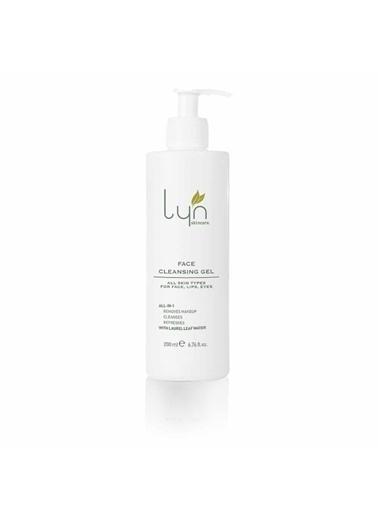 Lyn Skincare Yüz Temizleme Jeli Renksiz
